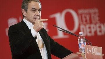El expresidente del Gobierno, José Luis Rodríguez Zapatero, durante su intervención en la conmemoración del X aniversario de la Ley de la Dependencia