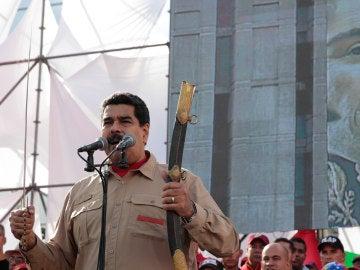 El presidente de Venezuela Nicolás Maduro habla durante una manifestación
