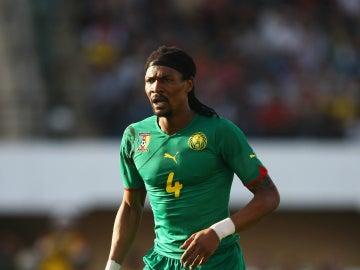 Rigobert Song, en un partido con Camerún