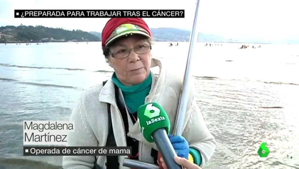 """Frame 10.225556 de: La Seguridad Social da el alta a una mariscadora operada de cáncer de mama: """"Me empieza a doler el pecho, las cicatrices..."""""""