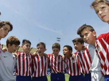 Los jugadores del Atlético de Madrid hacen piña
