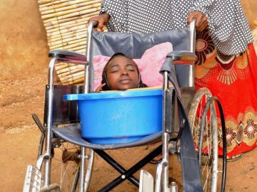 Rahma Haruna, la joven sin extremidades