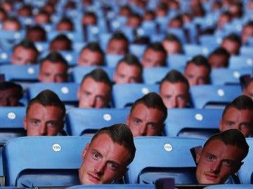 30.000 Vardys llenan el estadio del Leicester en protesta de la sanción a su delantero