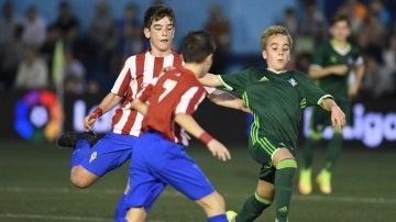 Un momento del partido entre Betis y Sporting