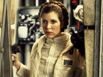 Leia es una mujer fuerte y segura que no teme al enemigo.
