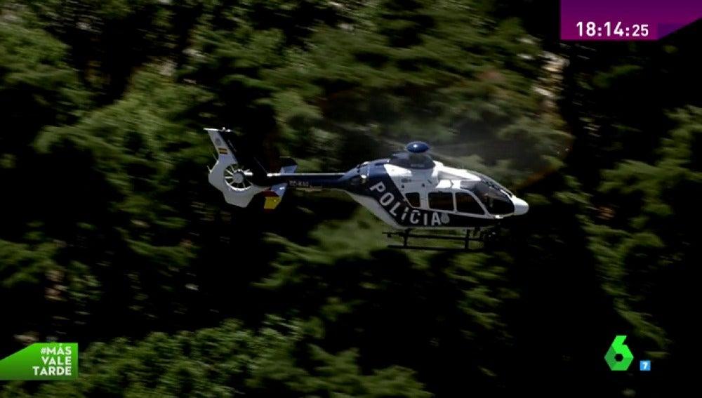 Frame 15.262716 de: helicópteros policía