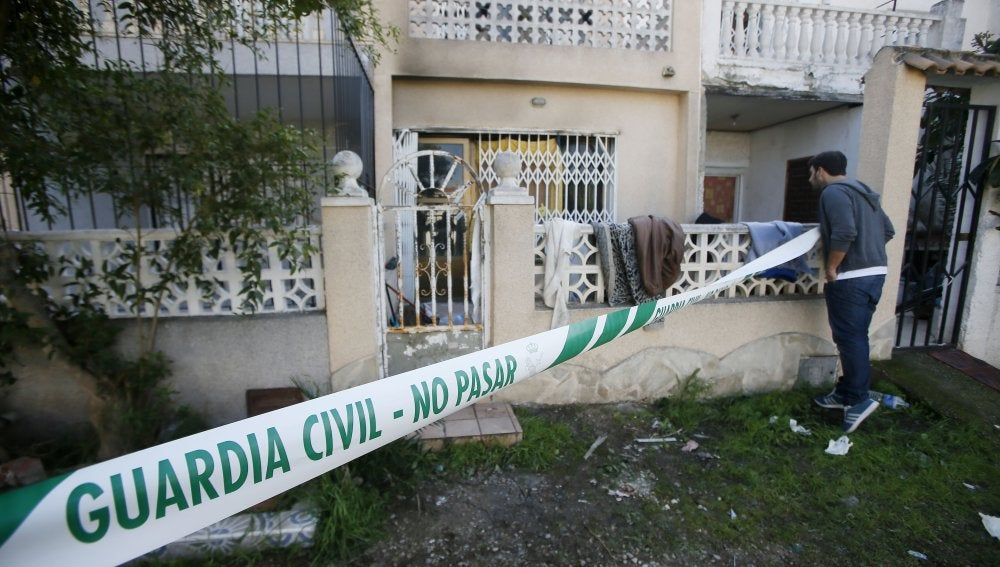 La vivienda donde se ha producido el incendio en Torrevieja