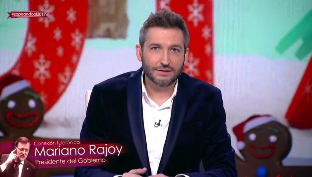 """Frame 88.440962 de: Irene Junquera reta a Frank Blanco: """"¿A que no tienes narices de gastarle una broma a Mariano Rajoy?"""""""