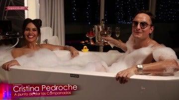 """Frame 55.527906 de: Una sensual Cristina Pedroche sorprende con un 'vestido de espuma' antes de dar las Campanadas: """"Así ya me quedo desvestida"""""""