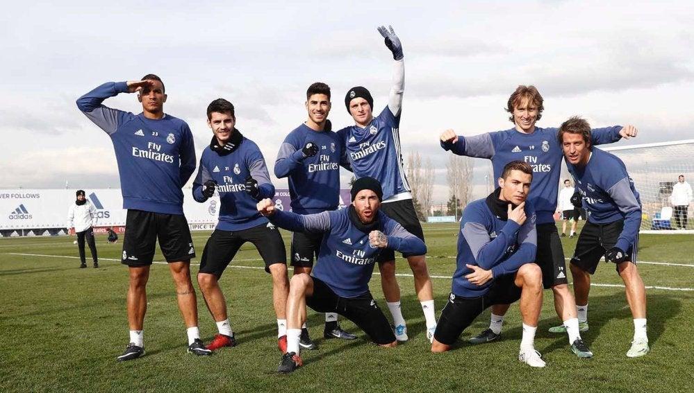 Cristiano Ronaldo y compañía homenajean a los emoticonos de WhatsApp