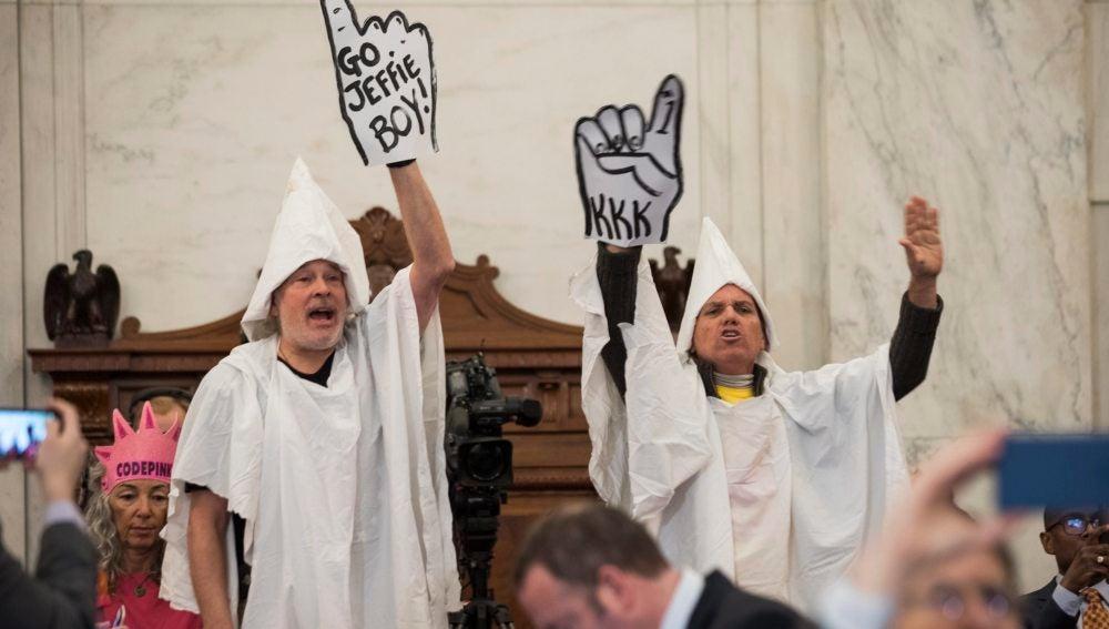 Manifestantes en el Senado de EEUU