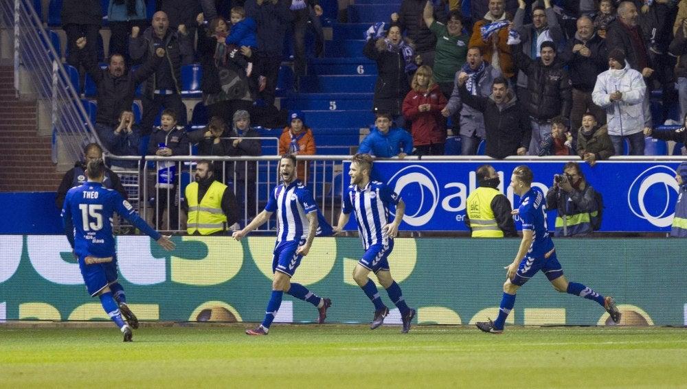 Edgar celebra su gol ante el Deportivo