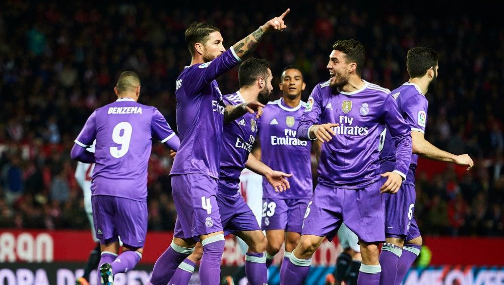 Ramos celebra un gol en el Sánchez Pizjuán