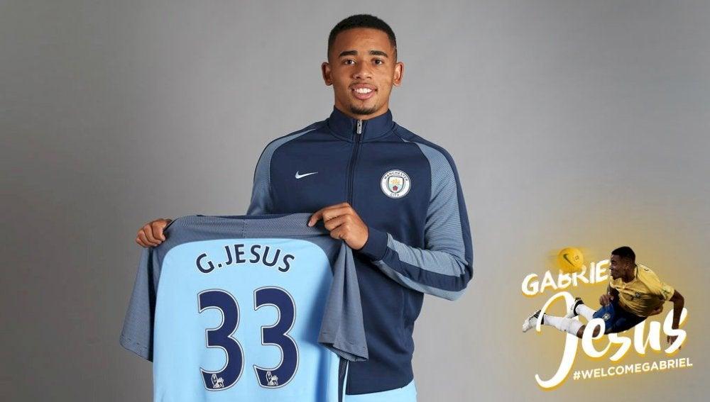 Gabriel Jesús posa con la camiseta del Manchester City