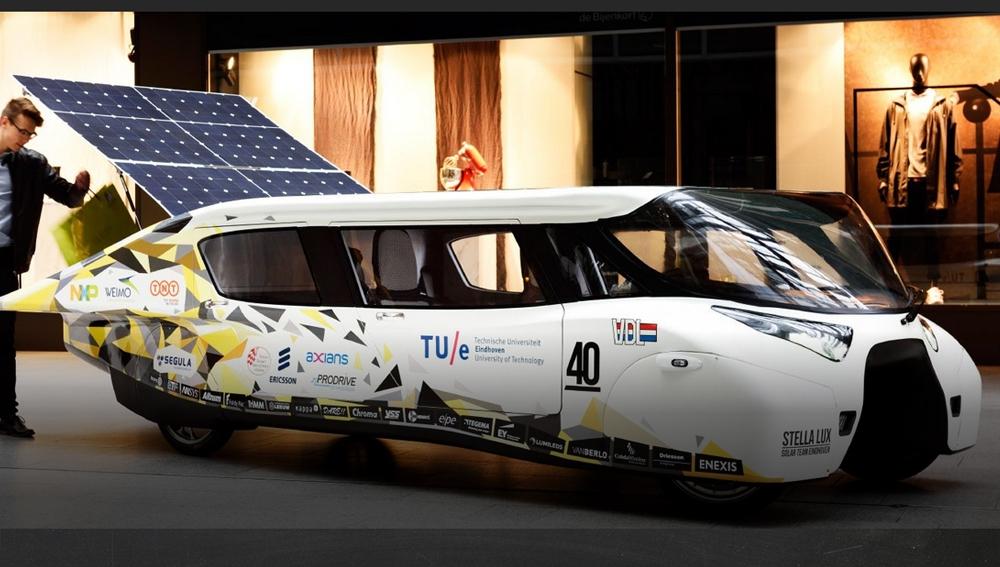 El coche solar 'Estella Lux'