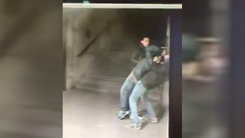 Robo en el Metro de Madrid con la técnica del 'mataleón'