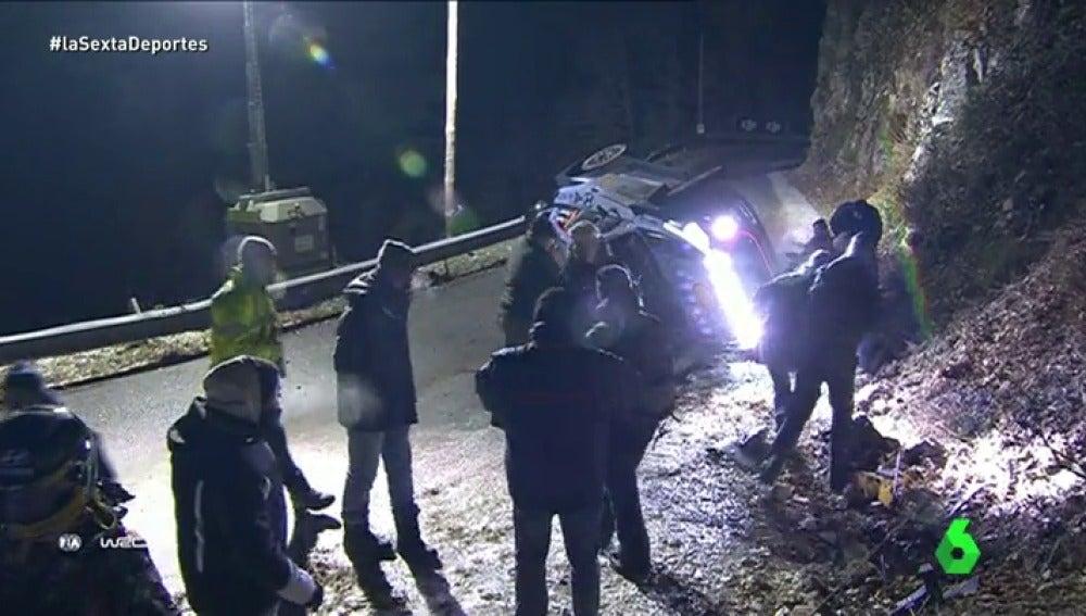 Frame 14.611402 de: La muerte del aficionado español en el Rally de Montecarlo reabre el debate sobre la seguridad en las carreras