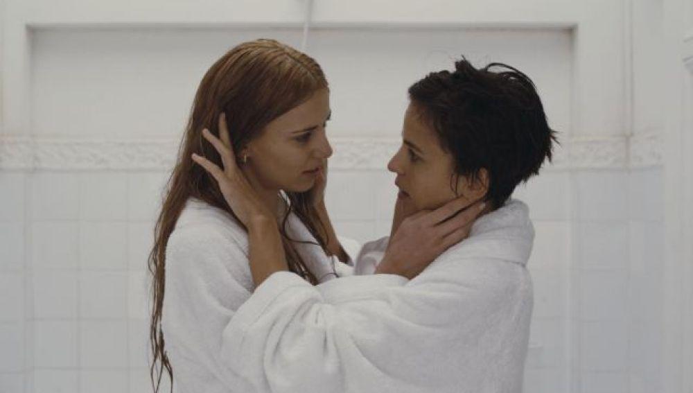 Elena Anaya y Natasha Yarovenko, en Habitación en Roma