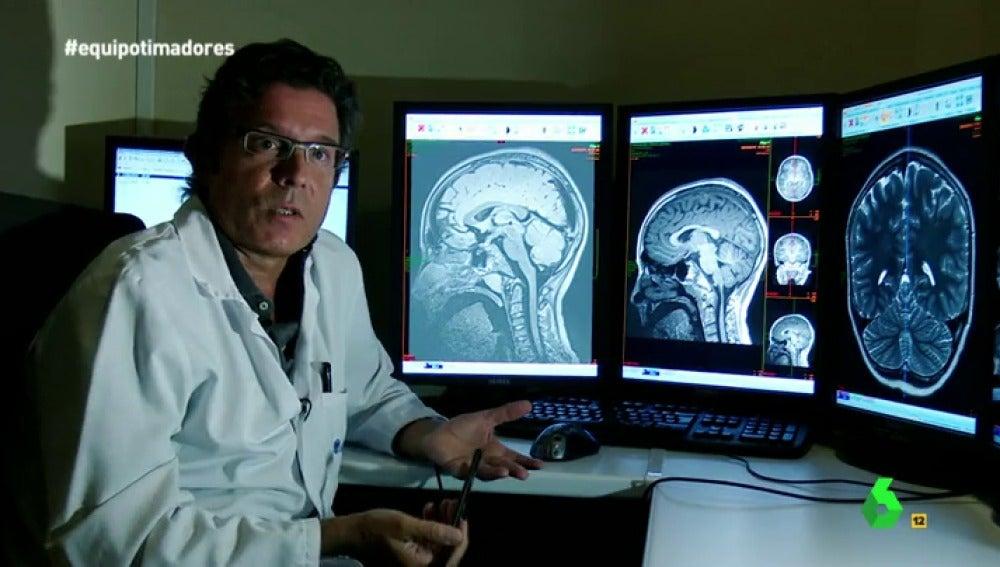 Frame 27.304394 de: ¿Qué ocurre en el cerebro de una persona mientras está siendo víctima de una estafa?