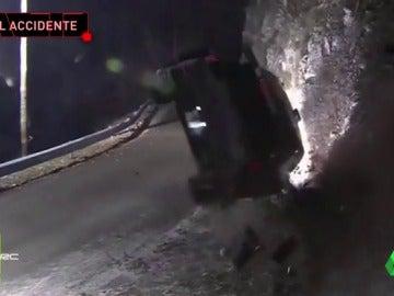 Frame 29.036347 de: Muere un espectador español en el Rally de Montecarlo tras un brutal accidente de Paddon