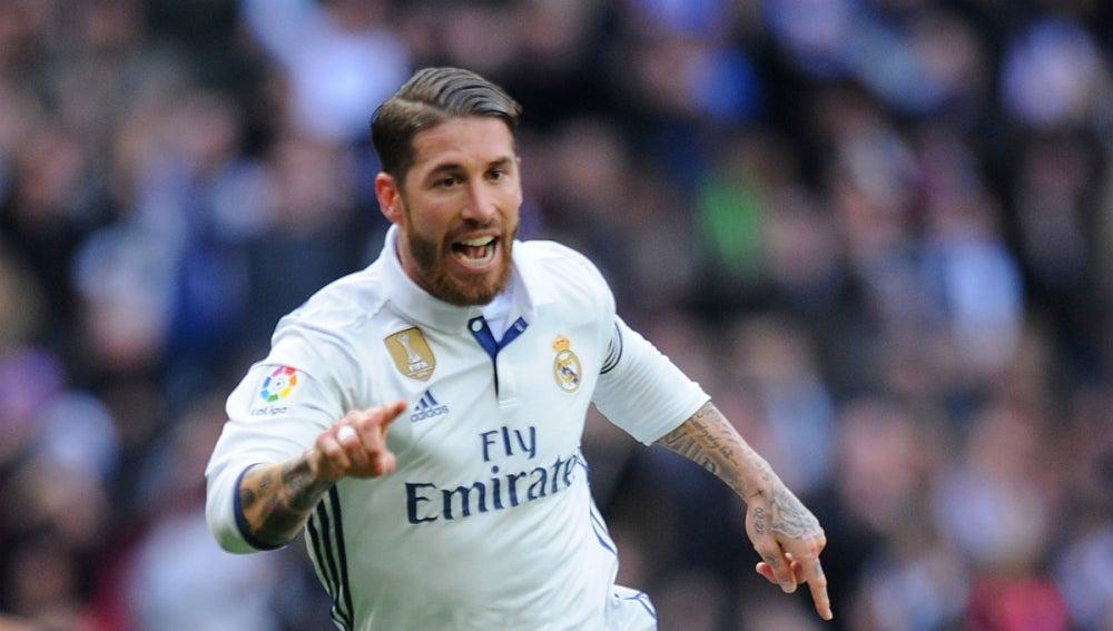 Ramos celebra un gol