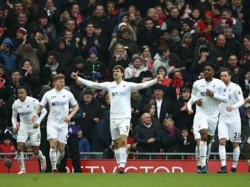 Llorente celebra un gol con el Swansea
