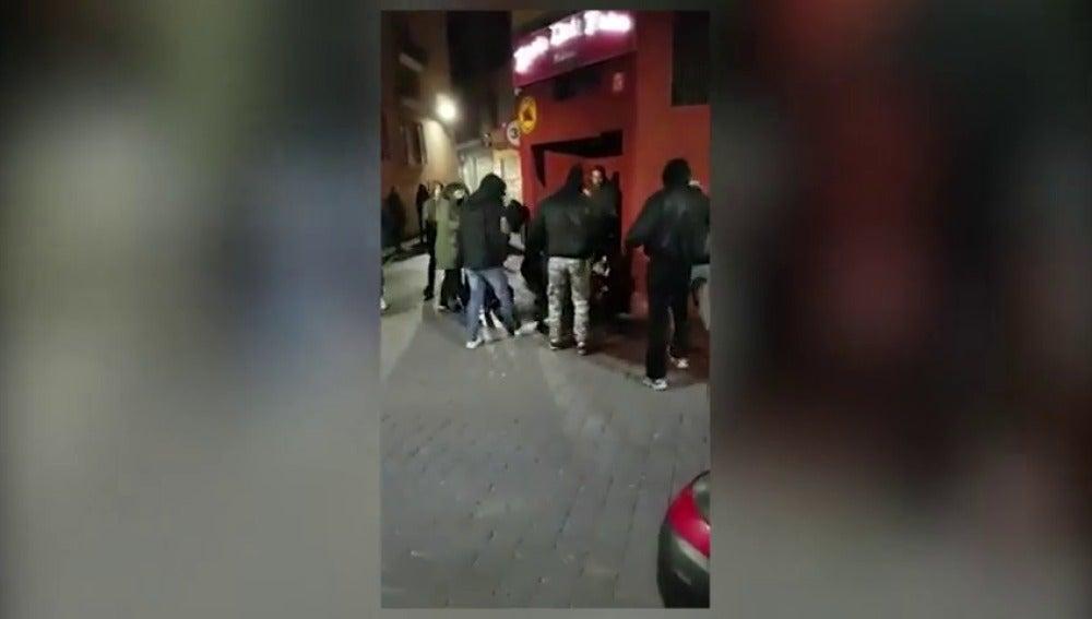 Frame 1.616642 de: Detienen a dos jóvenes por una brutal agresión a una chica de 19 años en Murcia