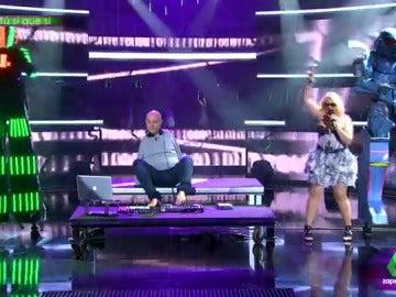Frame 18.488309 de: Por los aires y bailando twerking, así llega la Cristina Pedroche más alocada este martes a Tú sí que sí