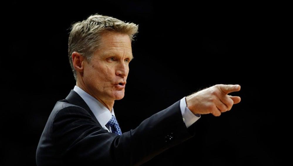 Steve Kerr, entrenador de la Warriors
