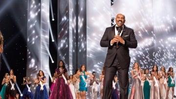 Steve Harley en la gala de Miss Universo 2017