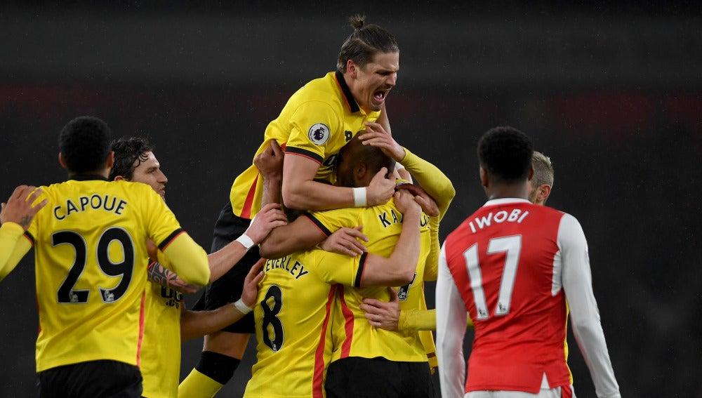 Los jugadores del Watford celebran un gol ante el Arsenal