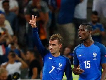 Griezmann y Pogba, durante un partido con Francia