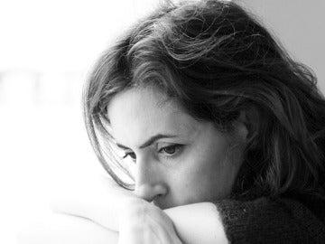 Imagen de una mujer en blanco y negro
