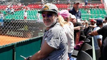 Maradona en el partido de Copa Davis