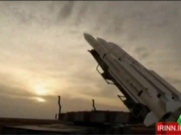 Frame 0.0 de: Irán responde a las sanciones de Donald Trump con otra prueba de su sistema de misiles