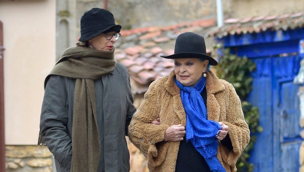Lucía Bosé junto a su hija Paola Dominguín