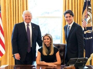 Ivanka Trump en el Despacho Oval