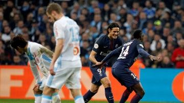 Cavani y Matuidi celebran un gol