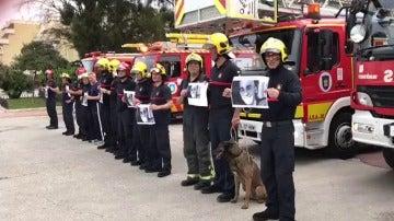 El emotivo homenaje de los bomberos de Málaga a Pablo Ráez
