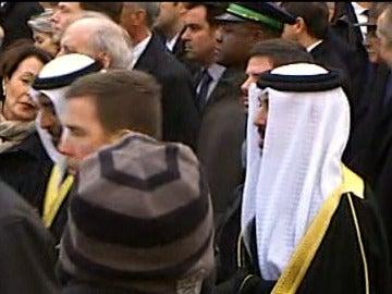 Miembros del Gobierno de Arabia en una manifestación por la libertad de expresión