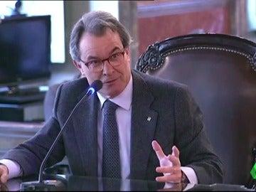 """Frame 78.766824 de: Artur Mas reprocha que en un mes """"nadie se acordó"""" de que el 9N podía ser """"un gran delito"""""""