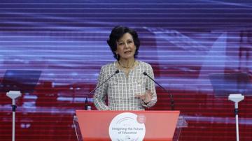 """La presidenta del Banco Santander, Ana Botín, durante la inauguración del Foro WISE """"Imaginando el futuro de la educación""""."""