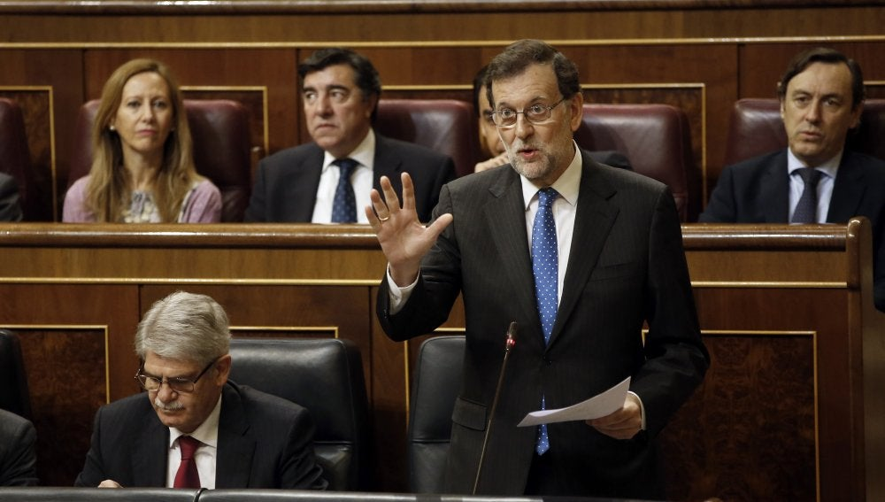 El presidente del Gobierno, Mariano Rajoy, durante la sesión de control al Gobierno