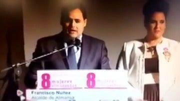 """Frame 3.298861 de: Polémica por la visión del papel de la mujer del alcalde del PP en Almansa: """"Buena esposa, buena madre y buena compañera de viaje"""""""