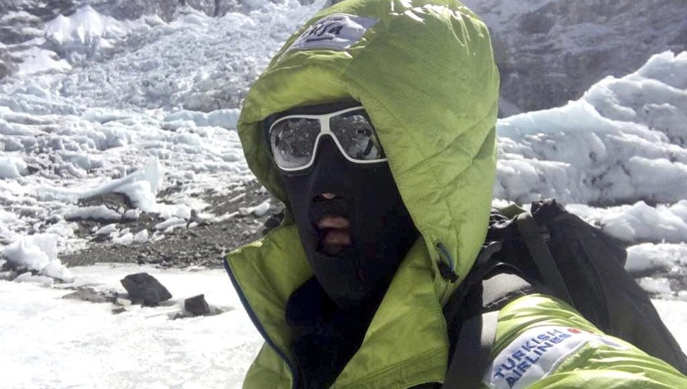 Alex Txikon durante la subida del Everest