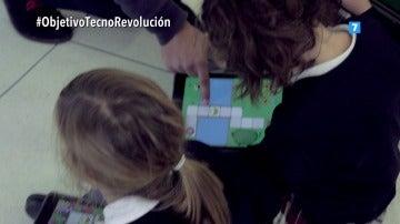 Niñas con una tablet