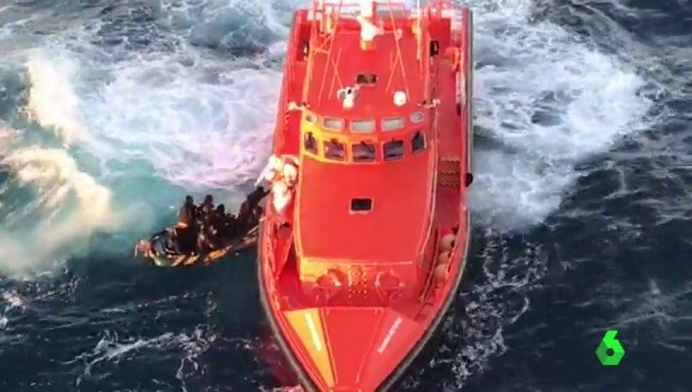 Frame 1.573333 de: salvamento maritimo