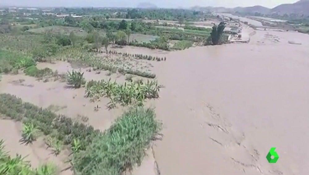 Las inundaciones en Perú dejan 43 muertos y más de medio millón de desplazados