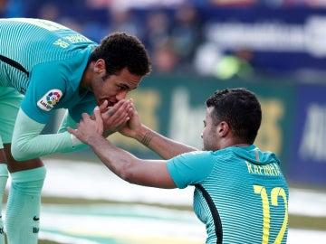 Neymar, con Rafinha