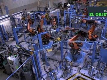 Frame 16.570972 de: La industria del automóvil se robotiza